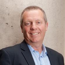 Doug Grieve|V.-p. des ventes aux entreprises